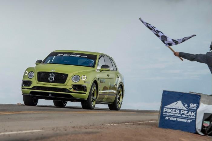 宾利成为派克峰爬坡赛最快量产SUV