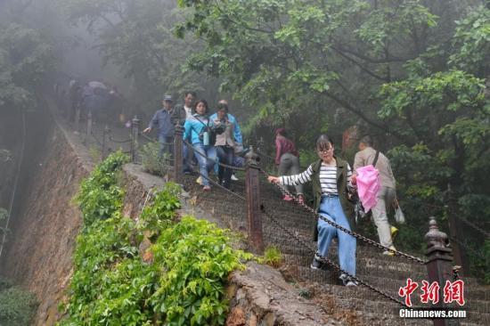 专家:过度依赖门票 已成阻碍中国旅游发展绊脚石