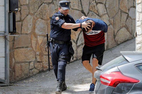 西班牙警方在多个省展开搜捕 打击亚美尼亚黑手党