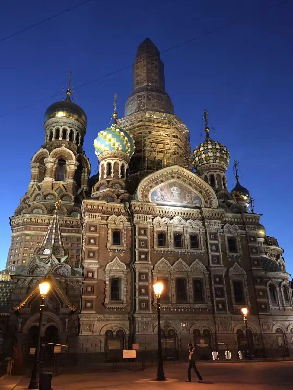 世界杯不夜城:凌晨2点的圣彼得堡华光异彩