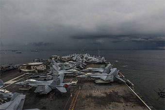 美国海军里根号航母抵达马尼拉