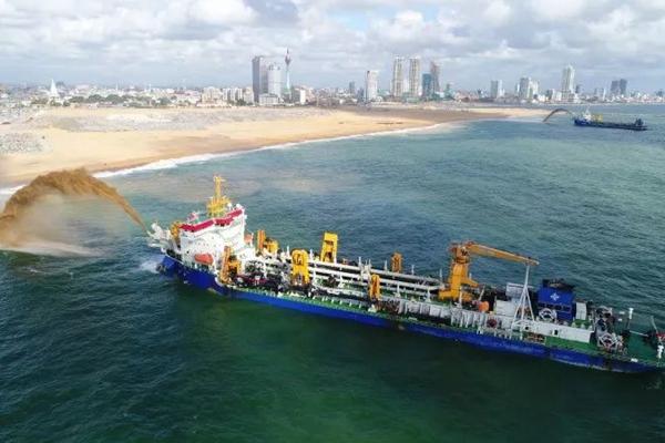 """难得一见!中国4艘""""地图编辑器""""在斯里兰卡施工现场"""