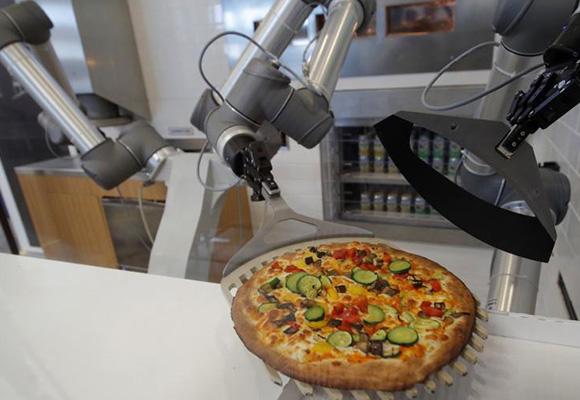 法国机器人烘制披萨 色香味俱全不输大厨手艺