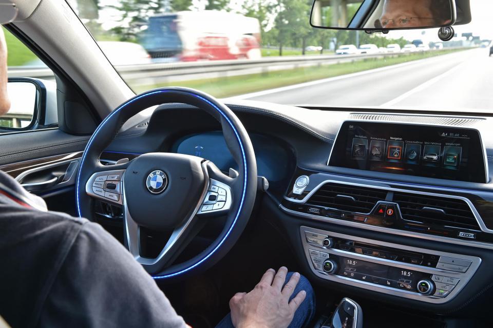 宝马:全自动驾驶车商业化阻碍多 获批上路难