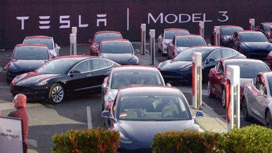 特斯拉致信Model 3预定用户:额外加2500美元定金