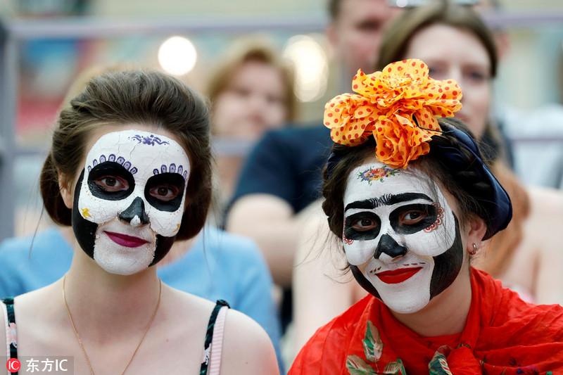"""墨西哥""""亡灵节""""走进世界杯 上演骷髅狂欢"""