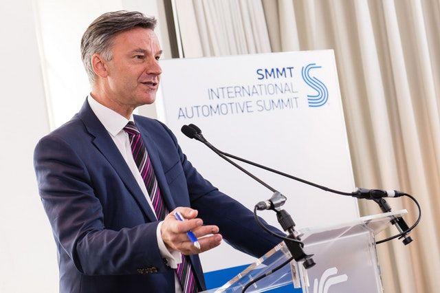 英国脱欧不确定性影响 英国汽车行业投资减半