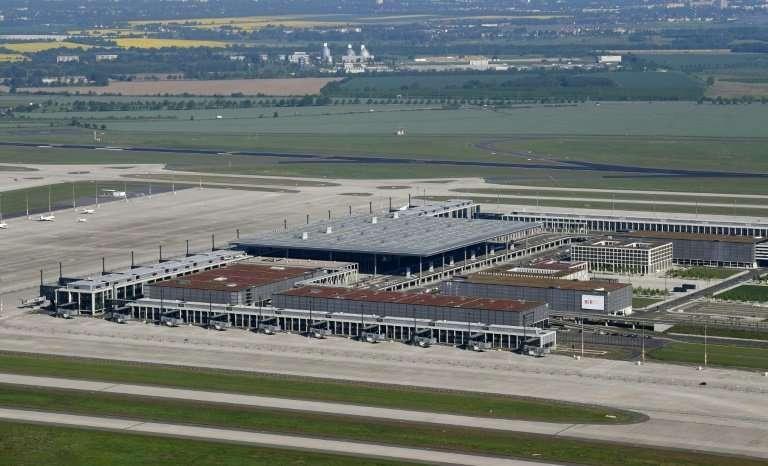 大众20万车辆待排放测试推迟上市 机场成临时仓库