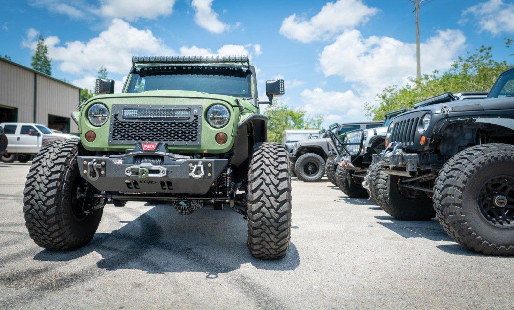 六轮怪兽 Bruiser Conversions改装Jeep牧马人