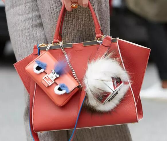 出门不用愁,五款时尚小包助你轻松变身时尚达人!