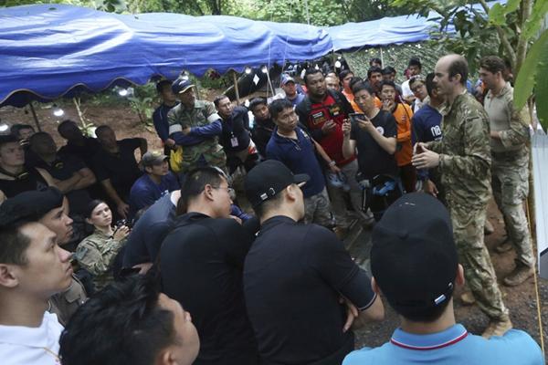 泰国13人足球队失联超一周 中美专家加入搜寻行列