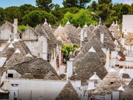 """意大利竟藏着一个""""蘑菇村"""",比爱琴海的白房子还唯美!"""