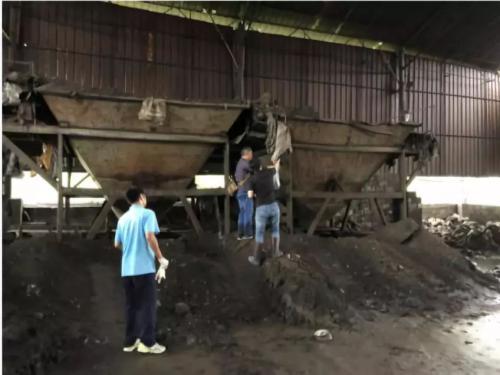 广西贵港市水泥厂藏污纳垢 成非法排污企业庇护所