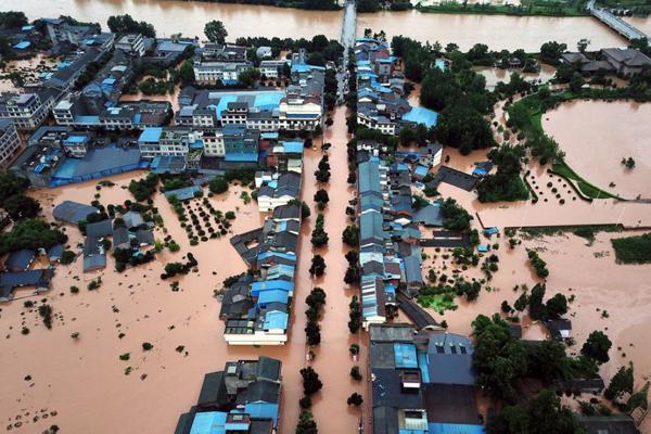 成都特大暴雨 蒲江寿安镇洪水淹没村庄农田
