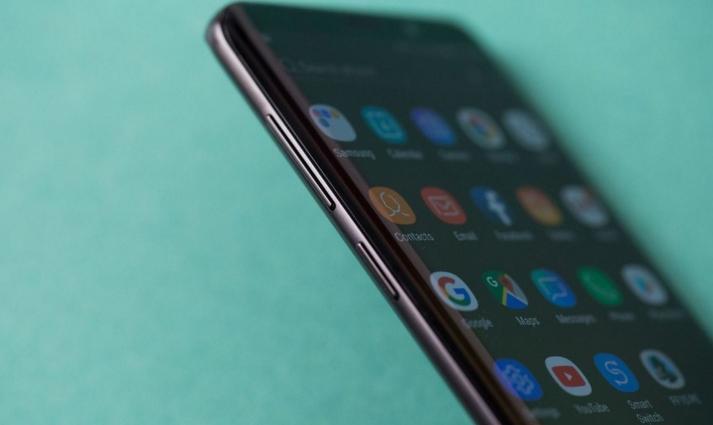 三星:正调查Galaxy S9向随机联系人发送照片事件