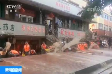 新疆塔城暴雨引发山洪 超百人被安全转移