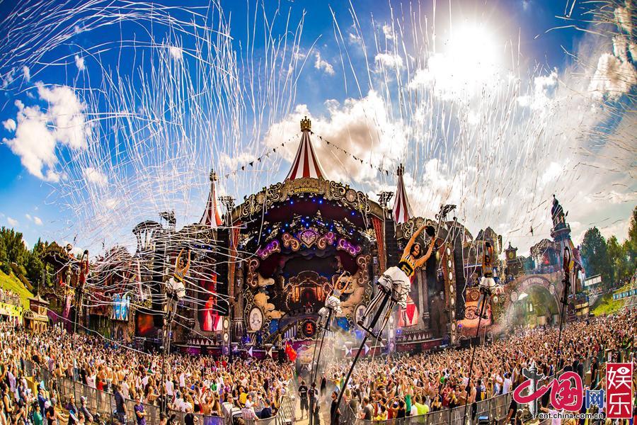《即刻电音》冠军将登Tomorrowland