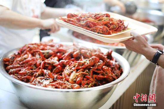 网红小龙虾是否可以尽情享用?挖挖小龙虾前世今生