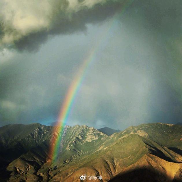 佛系偶像上线!陈坤晒美景道心境蓝天彩虹很壮美