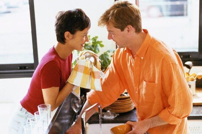 别再忽视厨房细菌培养皿 抹布可致食物中毒
