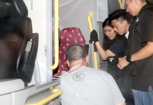 香港九龙巴士再发生2起座椅插针事件 8天以来第8起