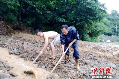 陕西关中陕南普降大到暴雨 18条河流出现洪峰29次