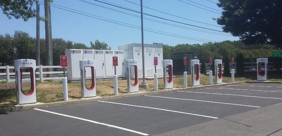 屡创纪录!特斯拉超级充电站部署数量激增