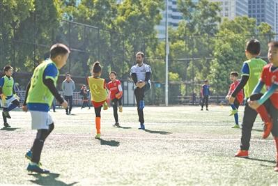 足球筑梦师 守护足球梦