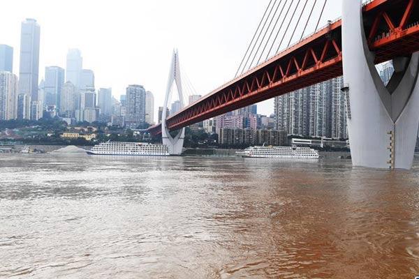 长江上游最大洪峰过境重庆