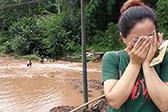 洪水突袭十万多斤鱼被冲走 鱼塘主人掩面痛哭