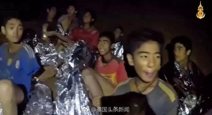 """""""我向父母们道歉!""""被困山洞的泰国少年足球队教练首次发声"""