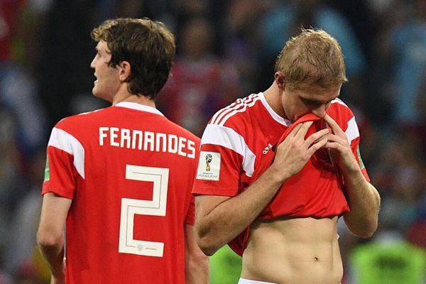 世界杯1/4决赛:俄罗斯5-6克罗地亚 俄罗斯球员万分沮丧
