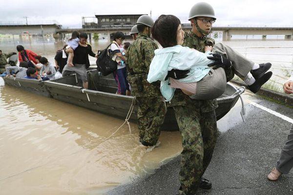 日本强降雨已致24人死亡50余人失踪 自卫队营救被困居民