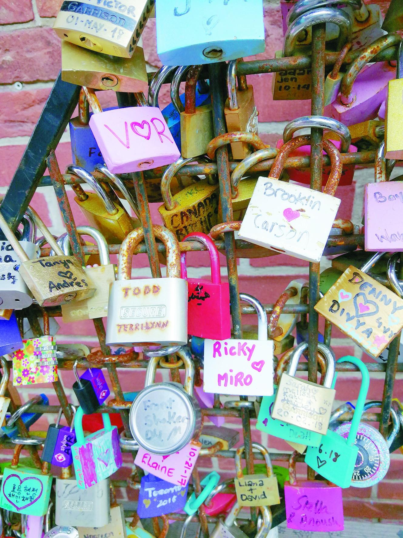 大家拍世界:锁住爱