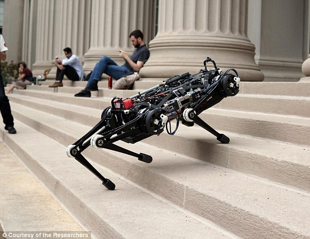MIT研发盲眼机器人 无需摄像头也能避开障碍物