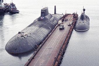 """""""万吨小艇""""得靠边站!感受下台风级潜艇有多大"""