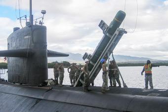 备战环太军演 美军核潜艇原来这样装填反舰导弹
