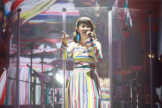 卓依婷演唱会晋江站落幕  歌迷全程合唱气氛感人