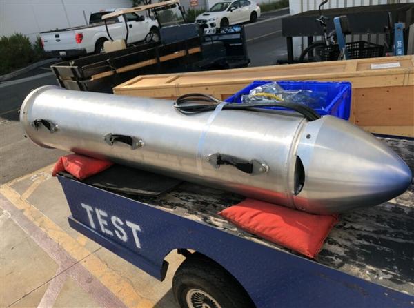 马斯克团队制造并测试潜水仓:飞赴泰国洞穴救援