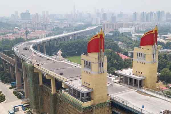 航拍南京长江大桥初露新颜