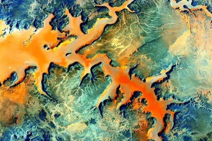 地球上最震撼的30个自然景观,90%的人都没有见到过!