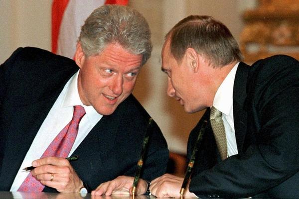 美俄首脑会晤回顾:铁打的普京,流水的美国总统!