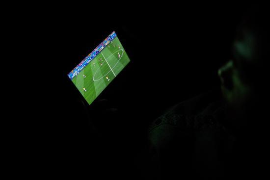 外卖小哥的世界杯:趁机看一眼屏幕 没想过改行