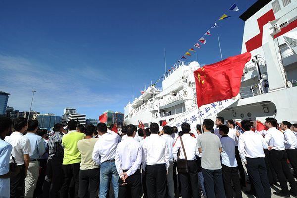 中国海军和平方舟医院船时隔4年再访巴新