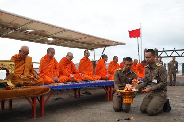 普吉岛沉船事故致47名中国游客遇难 中方再发赴泰旅游