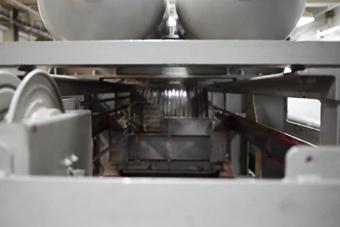 美军首次公布航母电磁弹射与拦阻装置工作画面