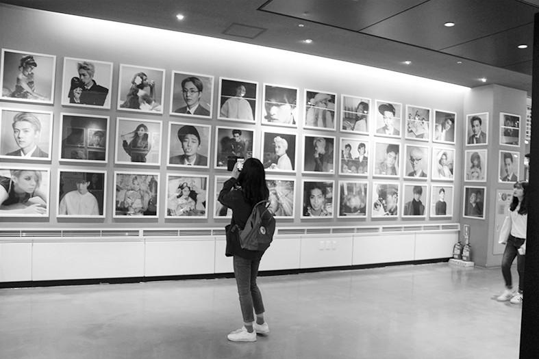 在首尔明星博物馆被韩流包围