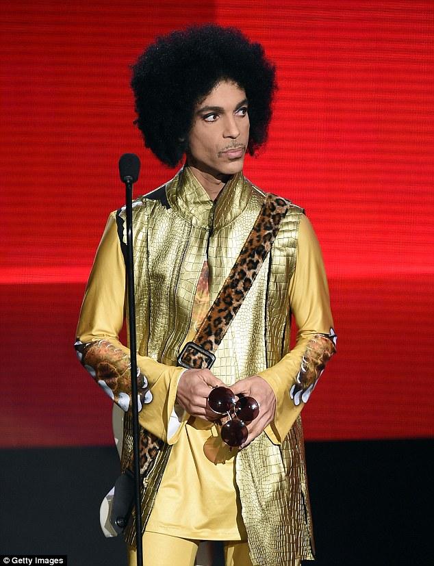 """已故摇滚巨星""""王子""""个人物品将被拍卖"""