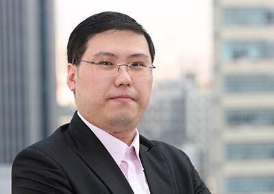"""""""股市名嘴""""被控""""抢帽子交易"""":非法获利75万判11个月"""