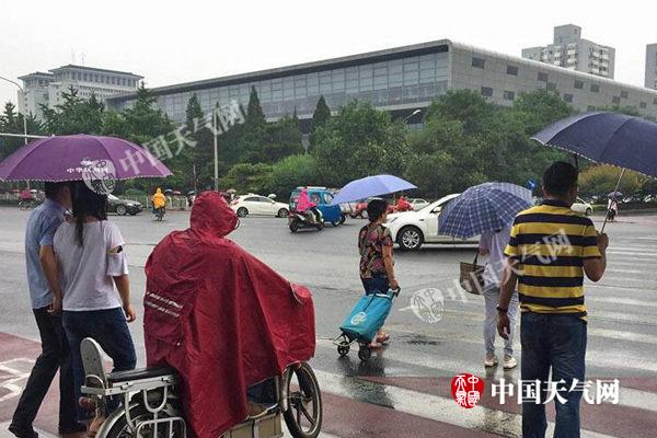 北京雨水减弱局地有阵雨 需防范地质灾害